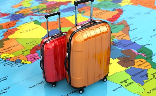 Скидка на Качественные и легкие пластиковые чемоданы на выбор с гарантией 6 месяцев от «Российского завода по производству чемоданов». Скидка 40%
