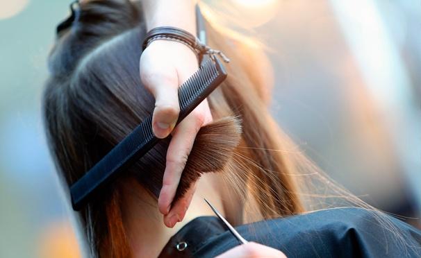 Скидка на Стрижка по технике Toni & Guy или Vidal Sassoon, окрашивание на выбор, «Ботокс для волос», молекулярное глянцевание, кератиновое выпрямление, укладка и не только в студии колористики Spase Colour. Скидка до 78%