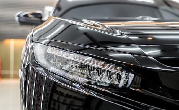 Скидка на Мойка, химчистка, абразивная полировка, защитное покрытие «Жидкое стекло» в автосервисе на Большой Академической. Скидка до 88%