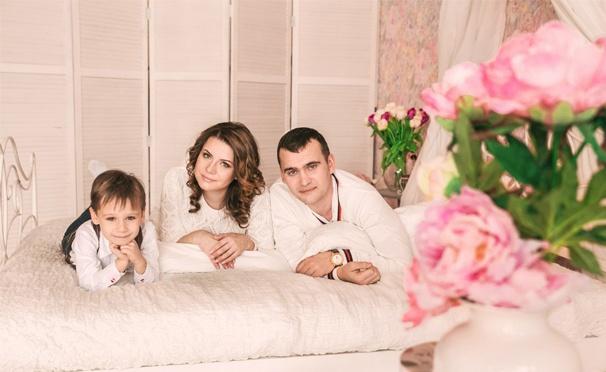 Тематическая фотосессия для одного, двоих или семьи, а также VIP-фотосессия в сети фотостудий Era-photo. Скидка до 93%